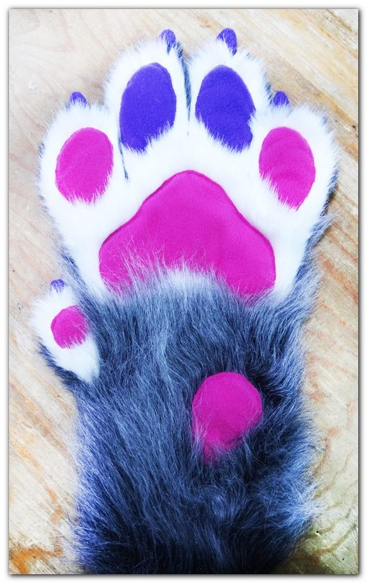 Handpaws fo fursuit Lux