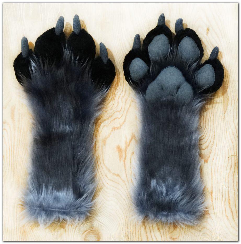 #Handpaws #foxfursuit #furr_club #fursuit