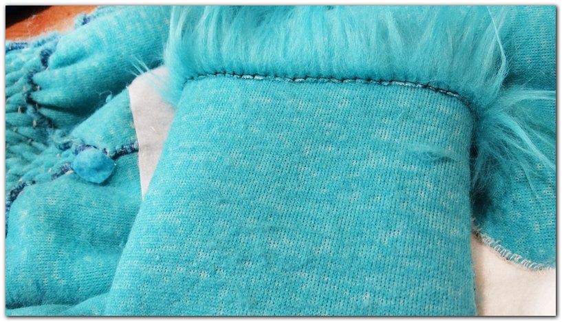 All the fur's free edges are hemmed and do not stick out #Kacec #foxfursuit #furr_club #fursuit #furrclub