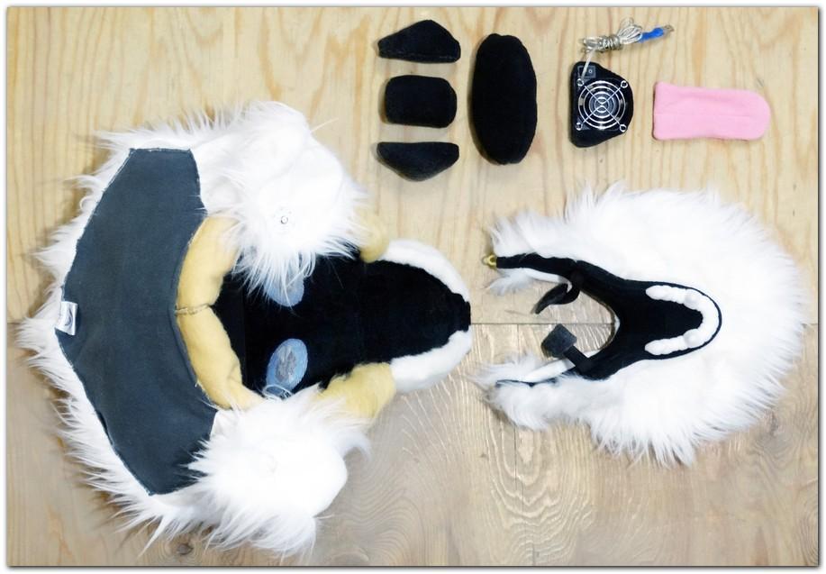 Mask of fursuit in the open position #dogfursuit #furr_club #fursuit