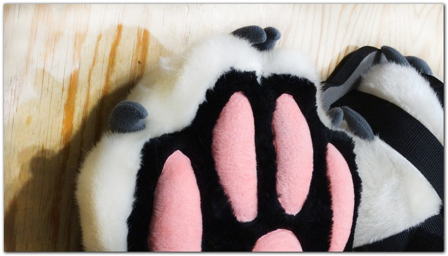 FeetPaws design #Vitallion Fox fursuit #furr_club #fursuit #Paws