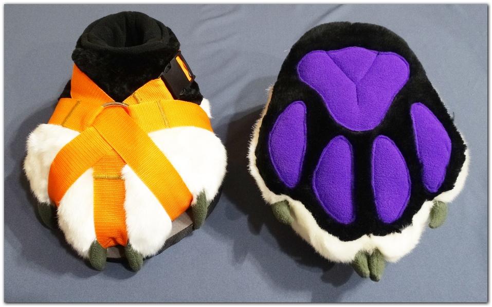 Classic_Fox_v2_feetpaws #furr_club #fursuit #Paws