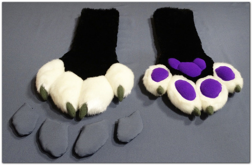 Paws design of Moey Fox fursuit #furr_club #fursuit #Paws