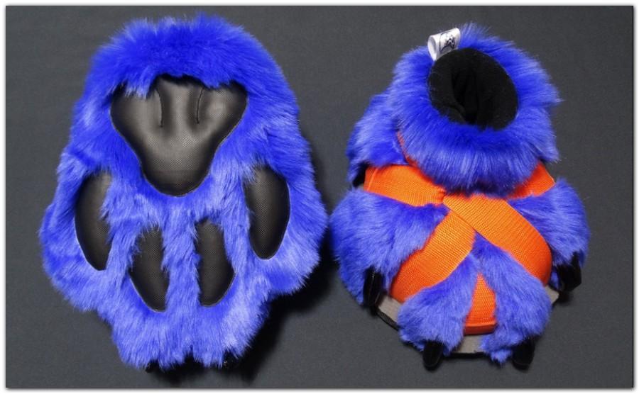 Hyena_feetpaws #furr_club #fursuit #Paws