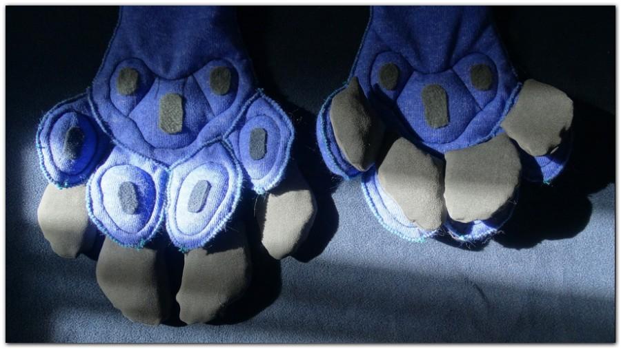 Paws design of Hyena fursuit #furr_club #fursuit #Paws