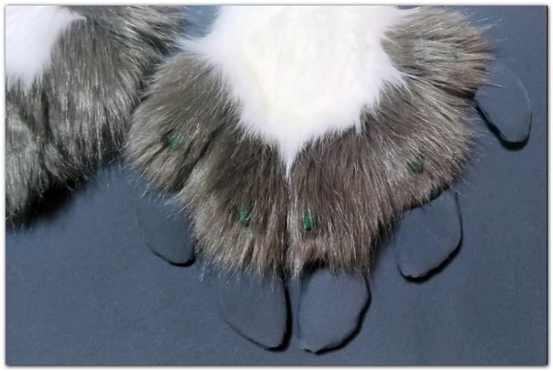 Paws design of Hare fursuit #furr_club #fursuit #Paws